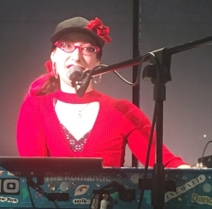 Rachael Sage on keyboards